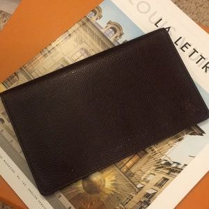 Louis Vuitton check book